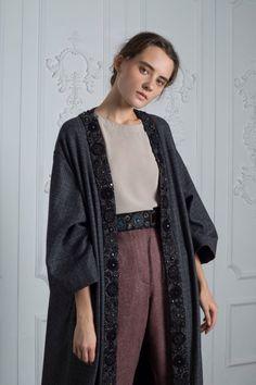 Muslim Women Fashion, Arab Fashion, Russian Fashion, Fashion Line, Old Fashion Dresses, Kimono Fashion, Modest Fashion, Fashion Outfits, Mode Abaya