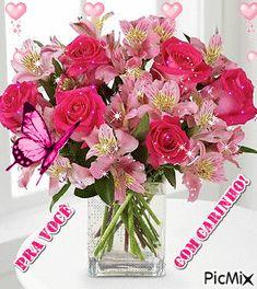 Glass Vase, Floral Wreath, Wreaths, Decor, Happy Brithday, Flowers, Floral Crown, Decoration, Door Wreaths