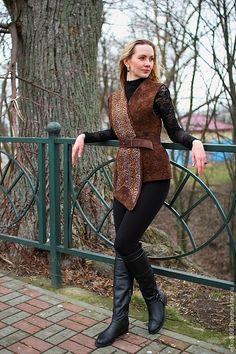 """Купить Жилет """"Джунгли"""" - коричневый, валяный жилет, войлочный жилет, леопард, жилет, коричневый жилет"""