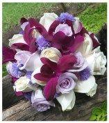 vanguardista-rosas-lilas,-blancas-y-orquideas-dendrobium5