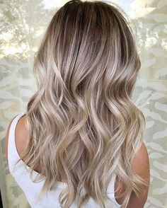Balayage on fleek: Über 30 Trend-Looks, wie du die Haarfarbe tragen kannst! - #balayage #die #fleek #Haarfarbe #kannst #tragen #TrendLooks #Über #wie Hair Color 2018, Ombre Hair Color, Hair Color Balayage, Blonde Color, Hair Colors, Balayage Hairstyle, 2018 Color, Blonde Hairstyles, Simple Hairstyles