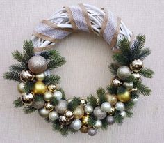 Christmas, Hand-Made Wooden Wreath Decoration 40cm