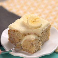 Ei jauhoja, sokeria tai maitoa – tämä terveellinen banaanikakku näyttää taivaalliselta – Herkkusuu.fi