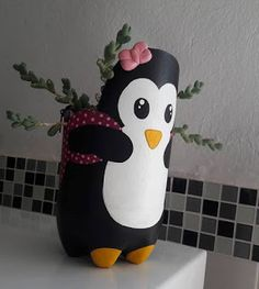 Plastic bottles are a kind of trash everybody claims to experience. But how cool it is to know that this recycle bin object can be upcycled in various crafty and useful ways! 3 Most Amazing Ways To Reuse Plastic Bottles That Will Stupify You - Crafts Zen Diy Crafts Hacks, Diy Home Crafts, Diy Craft Projects, Creative Crafts, Simple Crafts, Party Crafts, Garden Crafts, Sewing Crafts, Reuse Plastic Bottles