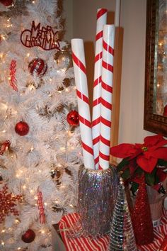 DIY: Creating faux large candy canes uses wrap paper rolls and red electrical tape for Peppermint pass Christmas Float Ideas, Christmas Party Decorations, Christmas Mom, Xmas Party, Christmas Crafts, Office Christmas, Rustic Thanksgiving, Thanksgiving Wreaths, Holiday Wreaths