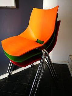 Modern retro plastic Shell chairs by Angelo Pinaffo Italy Bauhaus, Outdoor Spaces, Outdoor Chairs, Scandinavian Modern, Modern Retro, Cape Town, Skyscraper, Shells, Mid Century