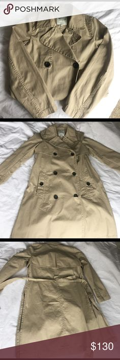 Madewell Abroad Trench coat NWT abroad trenchcoat is an xxs but fits more like a S. Madewell Jackets & Coats Trench Coats