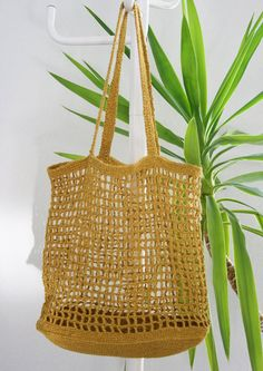 Knitted Bags, Crochet Designs, Farmhouse Decor, Straw Bag, Arts And Crafts, Bling, Knitting, Handmade, Inspiration