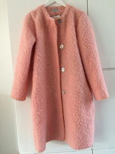 Handmade coat blanketcoat, made of a vintage pink blanket, size M door MORETHANVINTAGENL op Etsy