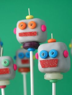 robot cake pops - fun for a little boy's bday party Wonder if the grade 1 or 2's could make something similar using the foam marshmallows found at Michaels