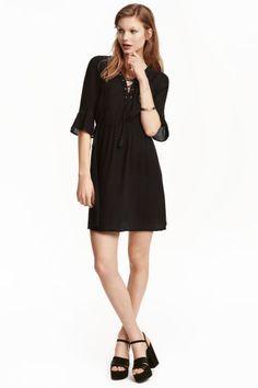 Sukienka ze sznurowaniem | H&M