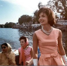 Lee Radziwill and Jackie Kennedy's trip to India, 1962