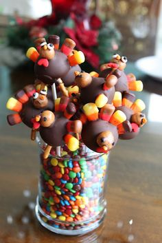 The Stay at Home Mom with Style Holiday Desserts, Holiday Treats, Holiday Recipes, Thanksgiving Cake Pops, Thanksgiving Recipes, Candy Recipes, Dessert Recipes, Turkey Cake, Brownie Pops