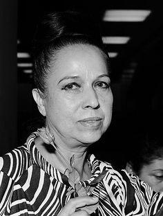 Amalia Hernández (1973).jpg