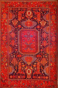 antique carpet - read about boho interior design - http://www.boomerinas.com/2015/05/23/modern-moroccan-interior-design-for-boho-babes/