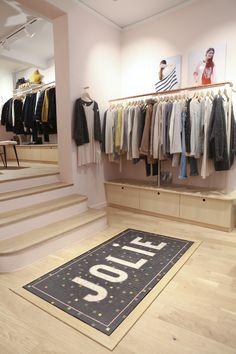 Des Petits Hauts Abbesses rue Tholozé, Paris LOVE the tiles Boutique Design, Paris, Store Design, Tiles, Sweet Home, Dressing, Retail, Showroom, Shops