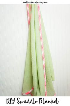 Learn how to make a DIY swaddle blanket out of cotton gauze fabric. It's the perfect lightweight blanket that makes a great baby gift! I love using lightweight swaddles for my tiny babies in the summer heat. I would use it to swaddle them, and I loved using it to cover myself when I was nursing because it was so breathable. I often need a quick gift for a baby shower, and this is my go-to sewing project for Spring and Summer babies. Baby Sewing Tutorials, Baby Sewing Projects, Sewing Blogs, Sewing Projects For Beginners, Sewing Patterns Free, Free Sewing, Sewing Tips, Sewing Hacks, Sewing Ideas