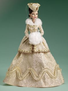 Soirées d'or | Tonner Doll Company.  Totally élégant!  The close attention to detail in head dress and the gorgeous outfit is amazing.