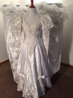 Vintage Wedding Dress 1980s by VicioVintageGoods on Etsy