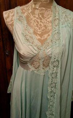 Vtg OLGA Bodysilk Aqua Full Sweep Peignoir Nightgown Negligee Set Med 9687 9702…