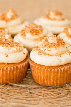 Coconut Cupcakes with Coconut Cream Cheese Frosting | KitchMe