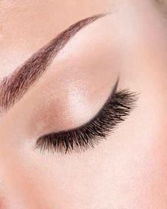 SKLEER Gel All in one Skin Corrective - use after brow wax!