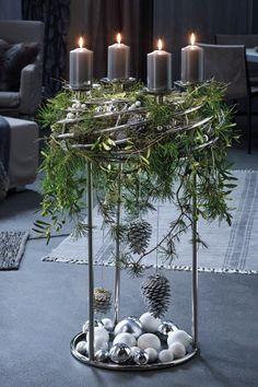 adventskranz schwarz gold punkte wacholder eukalyptus. Black Bedroom Furniture Sets. Home Design Ideas