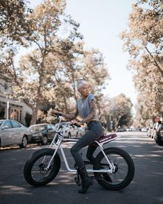 The Super 73 Z is the perfect bike for cruising the city, coast, or your own backyard. Get your order in soon to be a part of the first… Bmx, Scooters, Eletric Bike, Cafe Racing, Cruiser Bicycle, Cafe Racer Bikes, Cycling Girls, Fat Bike, Electric Bicycle