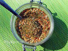 Napfény és Fűszer: Ételízesítő házilag How To Dry Basil, Beans, Vegetables, Kamra, Food, Red Peppers, Essen, Vegetable Recipes, Meals