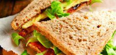 Bruine sandwich met krokant spek