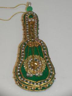 Guitar Beaded Christmas Ornament Vintage by baublesandblingforu, $3.00