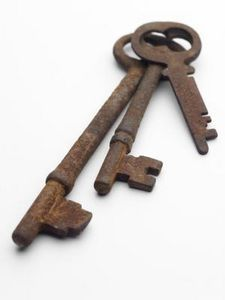 How to Pick A Skeleton Key Cabinet Lock 2021 How to Pick A Skeleton Key Cabinet Lock. How to Pick A Skeleton Key Cabinet Lock Pin On Old Homes Skeleton Key Lock, Key Crafts, Key Cabinet, Surface Art, Under Lock And Key, Old Keys, Antique Keys, Antique Cabinets, Chalkboard Paint