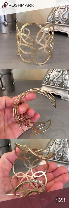 🛍 Dainty Gold Cuff Bracelet Gold tone. Independent Designer Jewelry Bracelets