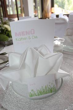 Tischdekoration in Weiß, Rosé und apfelgrün - Wedding table decoration white, rosé, green - Hochzeit in Garmisch-Partenkirchen, Bayern, an der Zugspitze, Riessersee Hotel Resort - Wedding in Bavaria