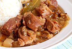 Vepřové kostky s houbami nadivoko Pot Roast, Carne, Food And Drink, Cooking Recipes, Menu, Chicken, Ethnic Recipes, Martha Stewart, Dinners