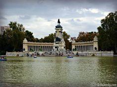 Monument à Alphonse XII et lac artificiel, Parc du Retiro, Madrid