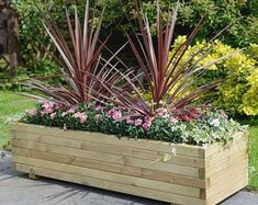 Beautiful Outdoor Summer Planter To Beautify Your Garden 03 Large Wooden Planters, Large Planter Boxes, Wooden Patios, Rustic Planters, Rectangular Planters, Patio Planters, Planter Garden, Large Outdoor Planters, Garden Boxes