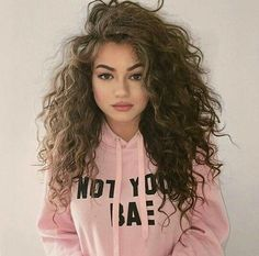 54 Nice Cute Curly Hairstyles For Medium Hair 2019 Hair Cuts And Medium Hair Styles, Natural Hair Styles, Long Hair Styles, Curly Hair Styles Easy, Natural Curls, Hip Hop Hair Styles, Damp Hair Styles, Cute Curly Hairstyles, Scrunched Hairstyles