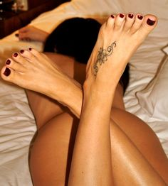 Girls Feet From Tattooed Feet Welovesexyfeet Website Brings Female Feet Galleries With The Hottest Foot Fetish Models Teen Feet Pornstar Feet And