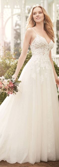 Wonderful Tulle Spaghetti Straps Neckline A-line Wedding Dresses With Lace Appliques