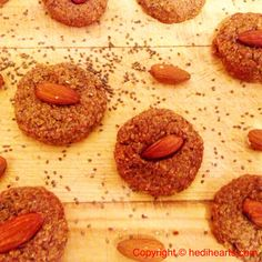 Almond and chia savoury biscuits