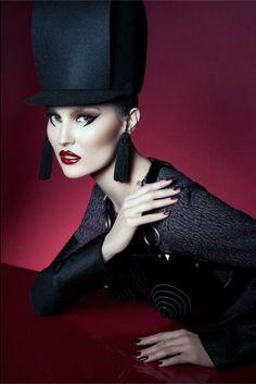 Photo: Camilla Camaglia  Make up: Einat Dan  Styling : Tanja Bulatovic Model: Nina de Lianin  HIGHLIGHTS magazine