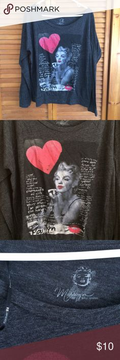 Forever 21 Marilyn Monroe Graphic Top Forever 21 brand | Size: L | Cotton blend | Long sleeves | Scooped neckline | Zero flaws | Tags: #forever21 #marilynmonroe #graphictop Forever 21 Tops Tees - Long Sleeve