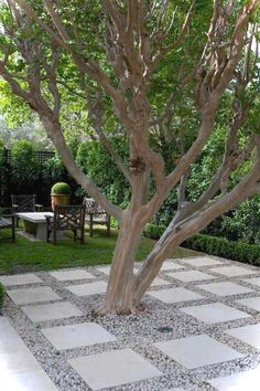 Awesome 49 Beautiful Small Backyard Design Ideas On A Budget. More at https://trendecorist.com/2018/03/06/49-beautiful-small-backyard-design-ideas-budget/ #landscapingbackyardideas #smalllandscapeideas
