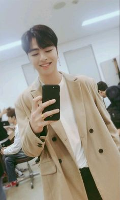 Oh my gosh his smile is the so beautiful Bobby, Live Meme, Koo Jun Hoe, Ikon Debut, Ikon Wallpaper, Kim Hanbin, Yg Entertainment, Boyfriend Material