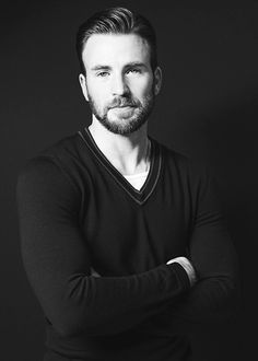 I post Captain America & all things Chris Evans. Here you will find daily updates including photos, videos, appearances, and all things Chris. Robert Evans, Chris Evans Beard, Capitan America Chris Evans, Chris Evans Captain America, Capt America, Cris Evans, Hot Guys, Eye Candy, Zeina