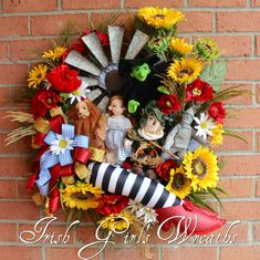 Wizard of Oz Kansas Wreath, Custom order for Patty Wizard Of Oz Wreath, Wizard Of Oz Decor, Wizard Of Oz Quotes, Diy Halloween Decorations, Halloween Diy, Wizard Of Oz Kansas, Irish Girls, Summer Wreath, Spring Wreaths