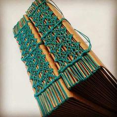 Love that binding! Binding Covers, Book Binding, Handmade Journals, Handmade Books, Handmade Crafts, Handmade Rugs, Bookbinding Tutorial, Stitch Book, Book Journal
