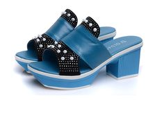 Sandali della piattaforma femminile pantofole eleganti delle signore pattini di estate delle donne della ragazza di modo muli scarpe di strass slip on sandalias mujer(China (Mainland))