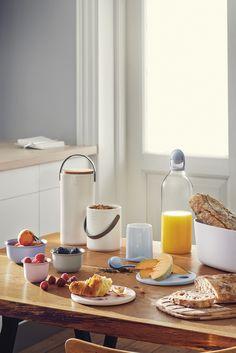 Hide It opbevaringskrukker fra Rig-TIG er som skabt til opbevaring af nødder, gryn, mel, sukker, kaffe, te mm. Den smarte silikone bærerem gør det nemt at transportere opbevaringskrukken rundt i køkkenet.